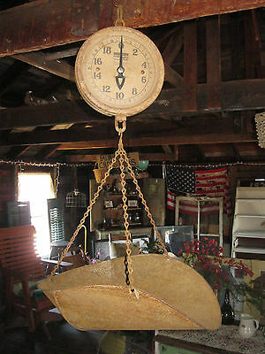 VINTAGE ANTIQUE RUSTIC DETECTO GLASS FACE HANGING PRODUCE SCALE
