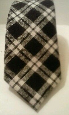 "Man's Neck Tie TOMMY HILFIGER 59""L  3""W Black&White Plaid 50/50 Wool&Polyester"