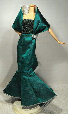 2000 SINGING HOLIDAY SISTERS BARBIE DRESS ONLY  / NO DOLL / NEAR MINT