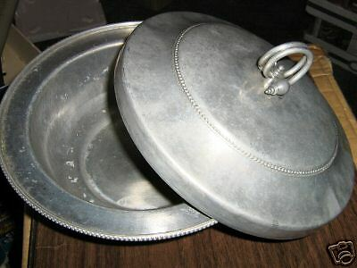 "BUENILUM  HAND FORGED ALUMINUM PAN B-H-W CASSEROLE DISH is about 6"" h-8 5/8"" dia"