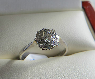 Antique C1940s 18ct White Gold & Diamond Daisy Ring