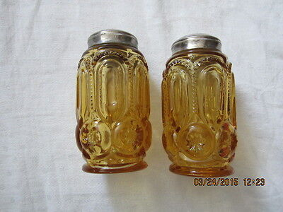 Vintage Amber Glass L.E. Smith Moon & Stars Pattern - Salt & Pepper Shakers