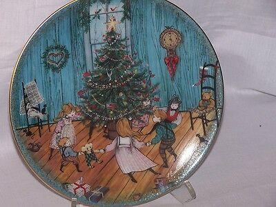 """P. Buckley Moss """"Christmas Joy"""" Collector Plate 5th in Series (Anna Perenna)"""