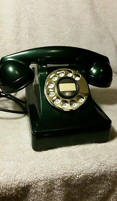 Vintage  1940's  Western  Electric  302  F1 Forest Pearl Rotary  Phone