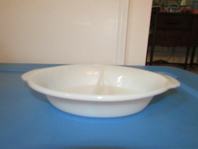 vintage fire king oval baking serving dish white milk glass divided 468 EUC 11x8
