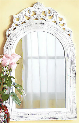 BEAUTIFUL VINTAGE STYLE WHITE WOOD MIRROR WITH FRENCH COUNTRY ORNATE FRAME