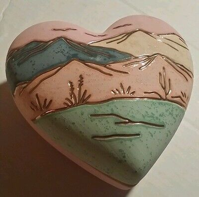 GOLDEN WILLOW CREATIONS  24K Fired Gold Heart Keepsake ceramic container Nice!
