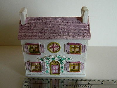 (M3.13) Dolls House Resin Miniature Lilac Cottage