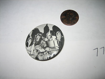 VINTAGE 1 1/2 INCH THE WIZARD OF OZ  PINBACK PIN BUTTON BADGE REN MGM 1966
