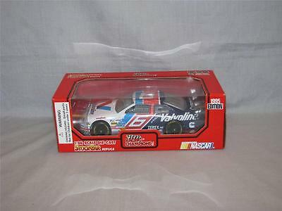 RACING CHAMPIONS 1995 EDITION VALVOLINE #6 MARK MARTIN DIE CAST CAR 1/24 SCALE