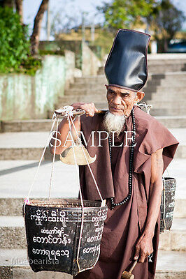 HERMIT MYANMAR DIGITAL SIZE 3267 X 2178 IMAGE PICTURE PHOTO JPG PHOTOGRAPH ANCHO