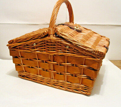 Willow Classic Wicker Picnic Basket Cooler with Cups, Plates, Utensils for 2
