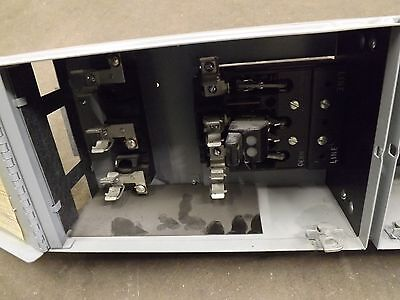 General Electric, THP362L 60 Amps 600 volt, twin switch with mounting straps