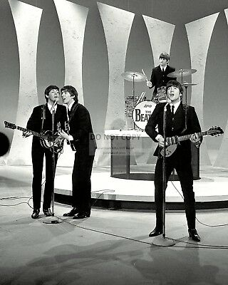 "The Beatles Perform On ""The Ed Sullivan Show"" In 1964 - 8X10 Photo (Zz-044)"