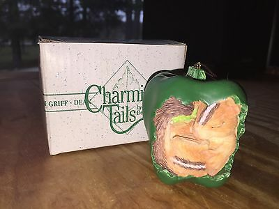 """Charming Tails """"picking Peppers"""" Ornament - Mint Condition W/original Box"""