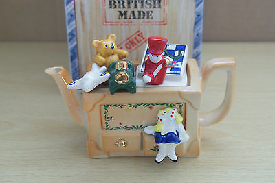 TOY BOX SMALL CERAMIC TEAPOT BY CARDEW ONE CUP MIB