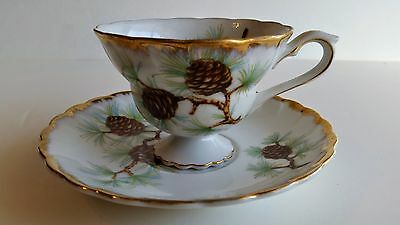 """Vintage White & Gold Norcrest China NW-PC-20 """"Pine Cone"""" Tea Cup & Saucer"""