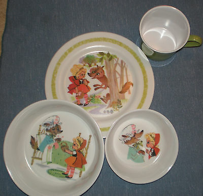 VINTAGE ONEIDA DELUXE 4 PIECE LITTLE RED RIDING HOOD CHILDS DISH SET