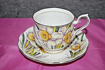 Royal Albert Daffodil Tea Cup and Saucer Flower of the Month Series S5008