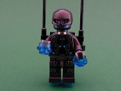 Lego Super Heroes x3 personnages Ultron Sentry officier 76029