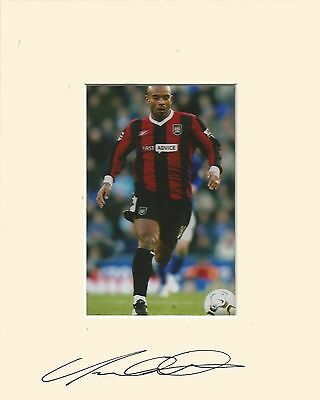 10 x 8 inch mount personally signed by Trevor Sinclair of Man. City on 07.09.14