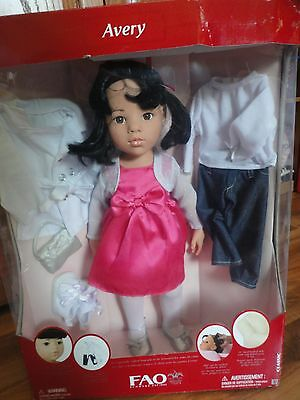 """FAO Schwarz Avery Classic Germany Doll 18"""" Gotz w/ lot of clothes extra outfit"""