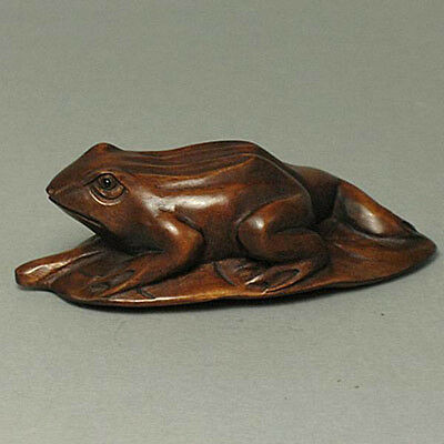 Boxwood Netsuke FROG ON LEAF Carving SALE WN333
