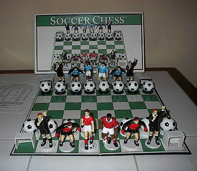 "SOCCER CHESS SET Big League Promotions 2001 (King Stands at 31/4"") Collectable"