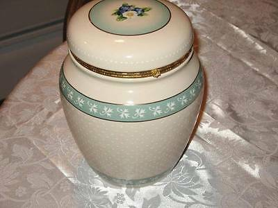BEAUTIFUL KNOTT'S BERRY FRUIT FARMS CANISTER COOKIE GINGER JAR GOLD TRIM MINT