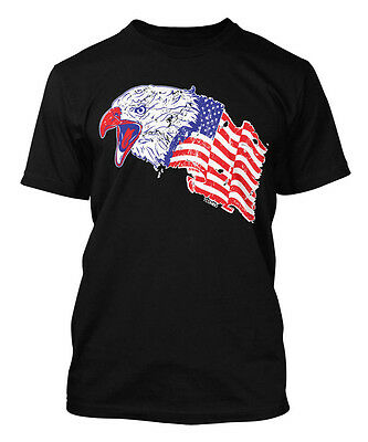 Eagle With Waving USA Flag - American Pride Men's T-shirt