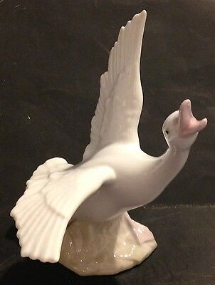 Kpm White Porcelain Goose Figurine - Japan