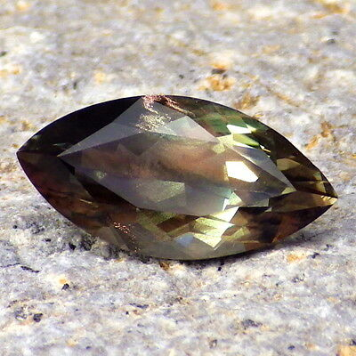 GREEN DICHROIC SCHILLER 2.32Ct FLAWLESS-PERFECT JEWELRY / TOP INVESTMENT GRADE!