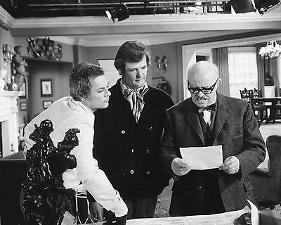 Laurence Naismith Roger Moore, Tony Curtis The Persuaders! 8x10 b/w Photo