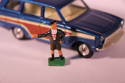 Golf Caddy Figure for Corgi 440 Ford Cortina Estate (Reproduction - Painted)