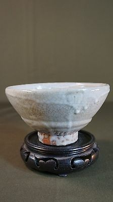 "Fine Korean Crackle Porcelain White Grey ""Daaki"" Tea Bowl"