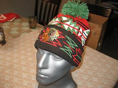 Mitchell And Ness Chicago Blackhawks Geotech Cuffed Knit Pom Beanie Nhl Nwt