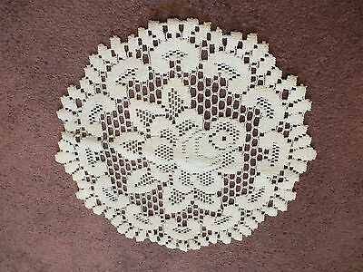 Beautiful Collectible Heritage Lace Doily White 11 Inch Floral Rose NICE
