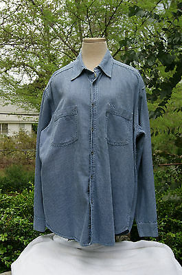 Vintage Men's Levi's Long Sleeve Button Up Shirt - Herringbone Design -  Size L