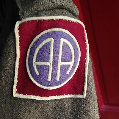 82nd AIRBORNE DIVISION, 320th FIELD ARTILLERY, WWI AMERICAN UNIFORM COAT, PATCH