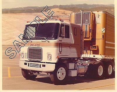 1970s GMC Truck ASTRO 95 Road Tractor 8x10 COLOR GLOSSY Factory Promotion PHOTO