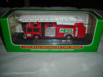 vtg 1999 miniature  HESS FIRE TRUCK  IN BOX FREE SHIPPING