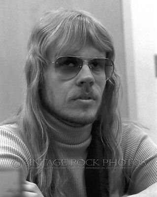 """JAMES """"J.Y."""" YOUNG STYX Poster Photo 11x14 in '81 Chicago IL Backstage Candid 35"""