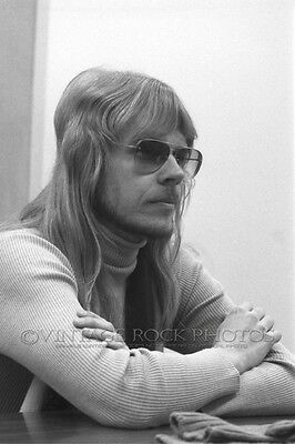 """JAMES """"J.Y."""" YOUNG STYX Poster Photo 12x18 in '81 Chicago IL Backstage Candid 39"""