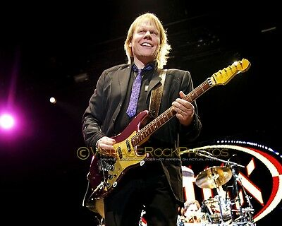 """James """"J.Y."""" Young, Styx Photo 8x12 or 8x10"""" 2011 Live Concert Manchester UK s49"""