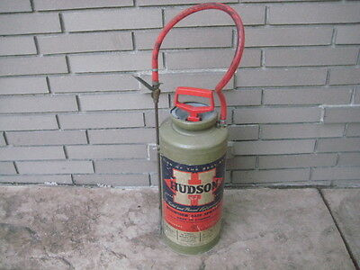 Vintage Hudson Sprayer Bugwiser 6220 Bug insect chemical Sprayer. Great Piece!
