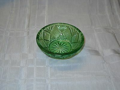 green pressed glass salt dish about 2 3/4