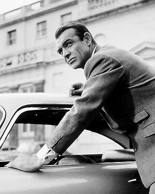 """Sean Connery In The Film """"goldfinger"""" James Bond - 8X10 Publicity Photo (Zz-336)"""