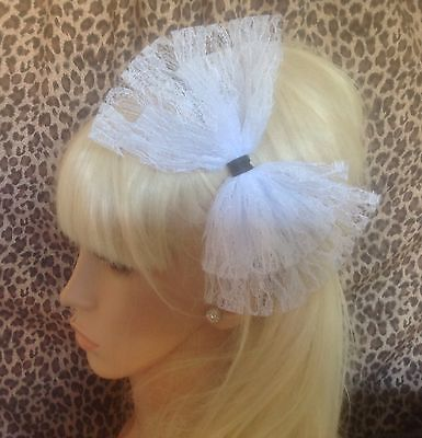 BIG WHITE LACE BOW SATIN ALICE HAIR HEAD BAND 80s RETRO HEN PARTY FANCY DRESS