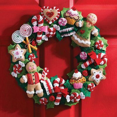 15-Inch Round Christmas Wreath Kit - Felt Appliques Cookies Candy - Gingerbread