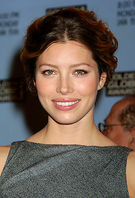 Jessica Biel 8X10 red carpet close up shot